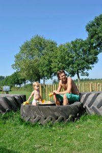 Bedstee boerderij speeltuintje